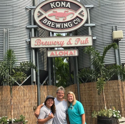 Kona Brewery Tour and lunch!